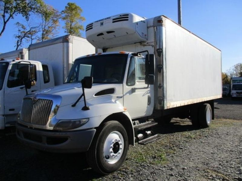 2009 International 4300 reefer box truck