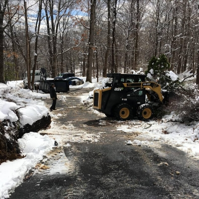 Jim Reed Truck Sales helps with Nor'easter Cleanup 2018